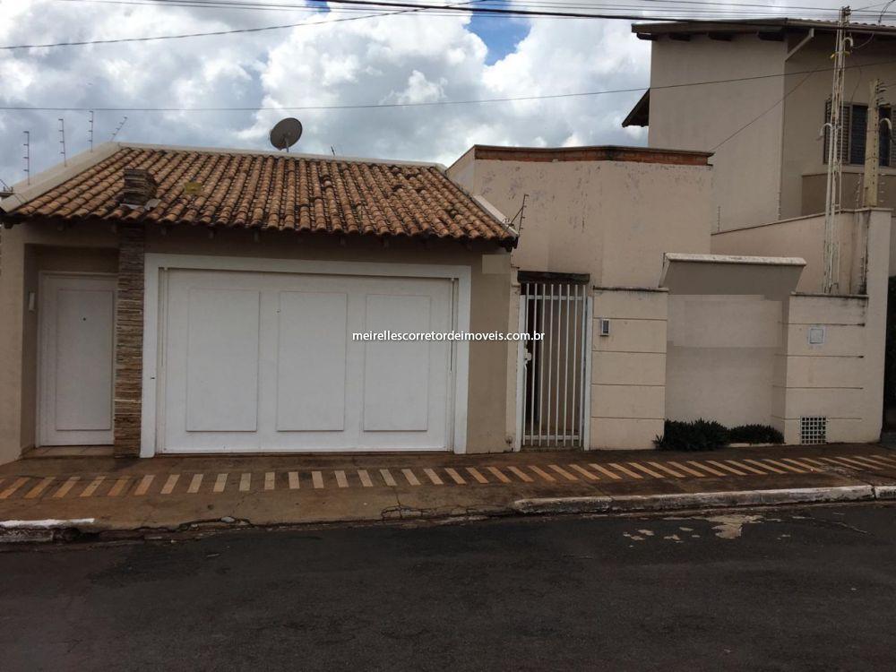 Casa Padrão venda Centro - Referência MI-215