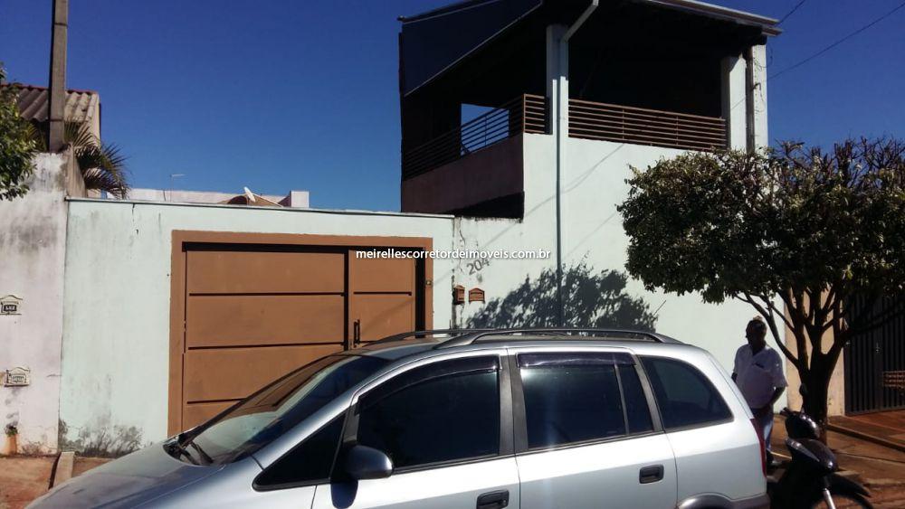 Casa Padrão Santa Lúcia 2 dormitorios 2 banheiros 2 vagas na garagem